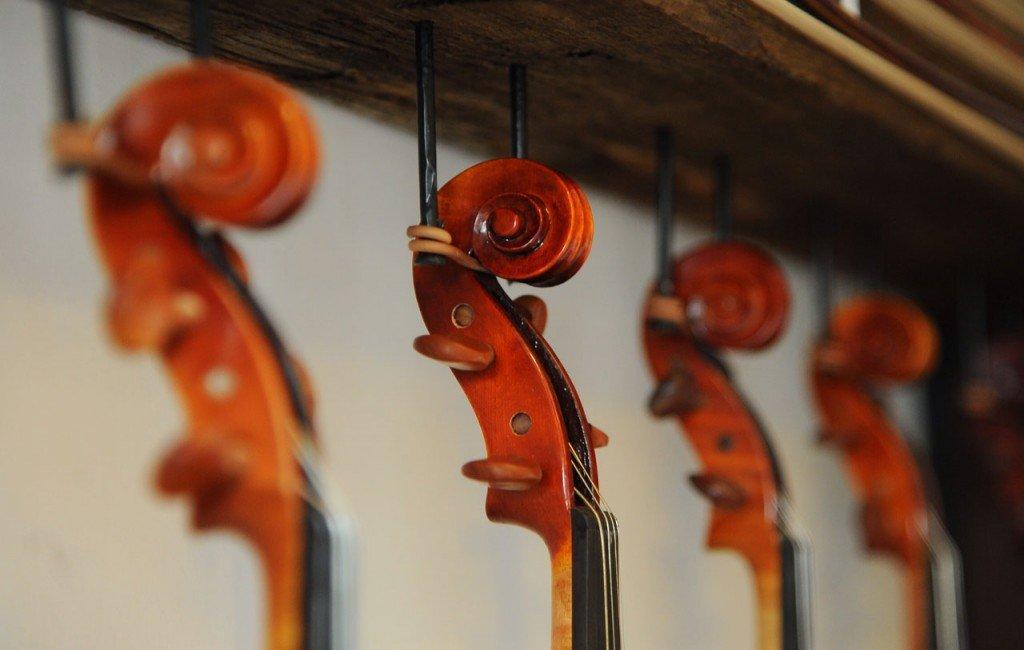 db_Dan_Bartlette_violins_21